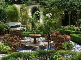 Landscaping a Moorish garden