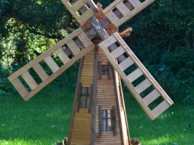 Decorative windmill with your hands