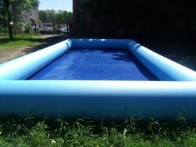 Великий надувний басейн