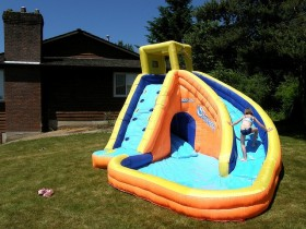 Play area with kids ' inflatable pool