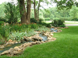 Choosing a pump for an artificial stream in the country