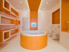 Large bathroom orange