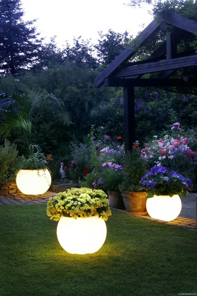 Верхняя подсветка садового участка