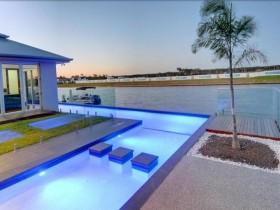 Современный дизайн открытого бассейна