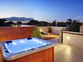 Stylish swimming pool modern design
