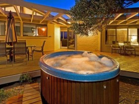 Frame pool outdoor