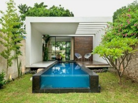 Glass pool in the country