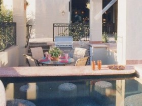 The design of the pool at their summer cottage