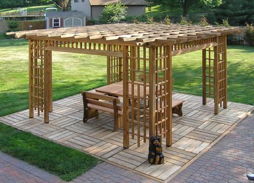 Инструкция по построению деревянной перголы своими руками