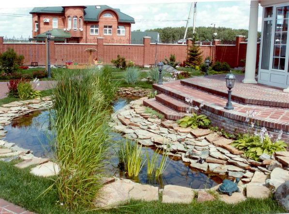 Оригинальный пример садового участка в пейзажном стиле