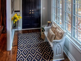 The design of a small hallway in the cottage