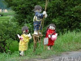 The design idea of garden scarecrows