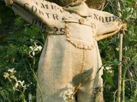 A Scarecrow from burlap with his hands