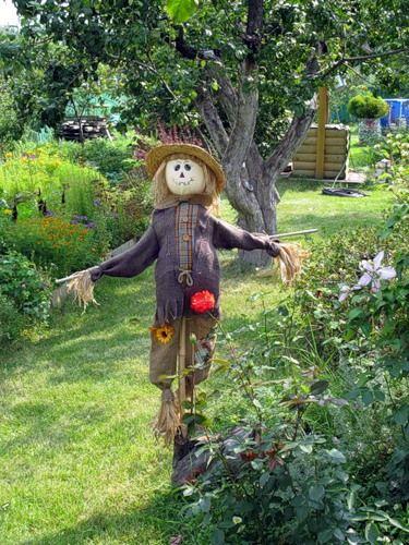 Как сделать огородное чучело - пугало 15