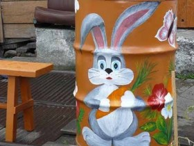 A picture of a Bunny on the barrel