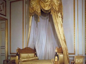 Baby bed in the Rococo style