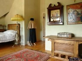 Небольшая спальня в русском стиле