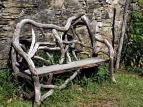 Садова лавка з корчів