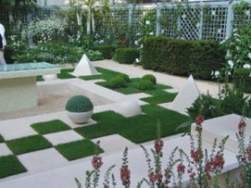 Garden in the style of hi-tech (hi-tech) comfort surrounded by modern technology