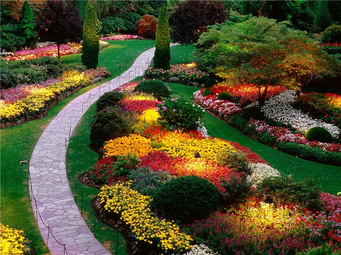 Декоративное освещение сада