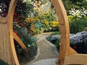 Незвычайная арка з дрэва