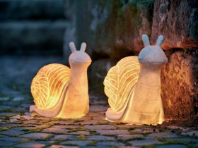 Garden lights in the form of snails