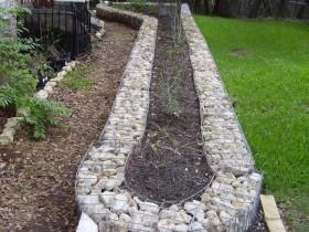 Габионы ў якасці садовага бардзюра