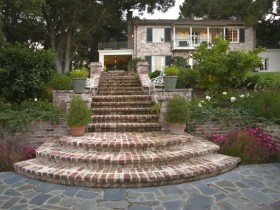 Garden stairs made of bricks