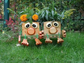 Original design ideas of garden figurines