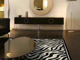 Современная гостиная с элементами стиля сафари