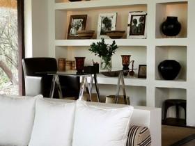 Safari style in the interior of the apartment