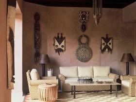 Traditional living room Safari-style