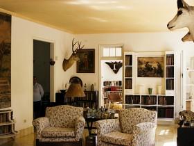 Совмещенная гостиная сафари
