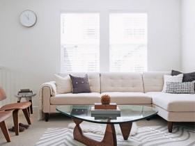 Современная гостиная с элементами сафари