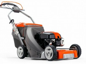 O'z-o'zini propelled benzinli lawnmower