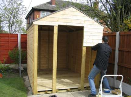 Обшиваем конструкцию деревянного сарая