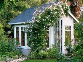 The garden, built in rustic style