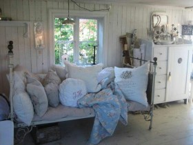 The interior of the cottage style shabby chic