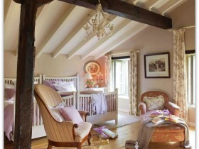 Room with sloping ceiling in shabby chic style