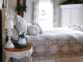 The design of the bedroom in shabby chic style