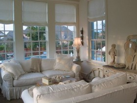 Living room interior design in shabby chic style