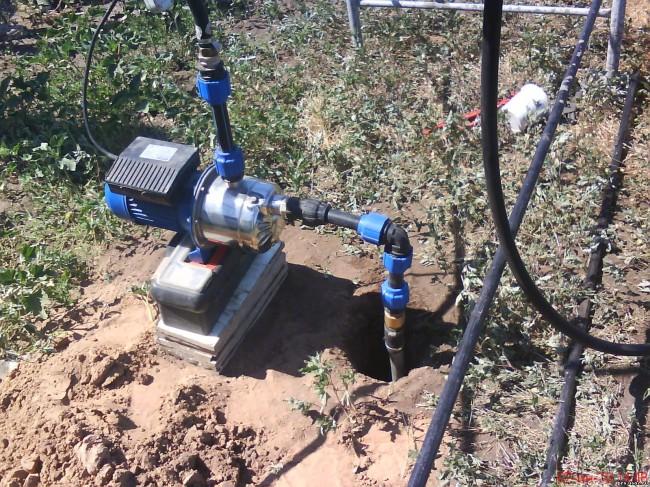 Насос для откачки воды со скважины