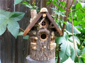 Birdhouse out of wood