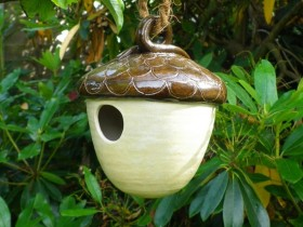 Birdhouse for the birds in the form of an acorn