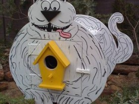 Cool design of the birdhouse