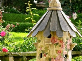 Wooden birdhouse in the country
