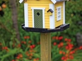 Creative design of the birdhouse