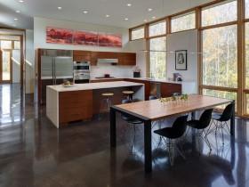 Стильный интерьер совмещенной кухни