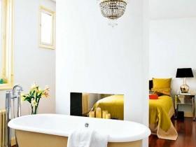 Combined bathroom with bedroom
