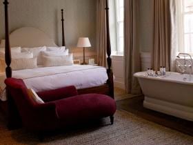 Chiroyli bedroom, bir hammom bilan birga